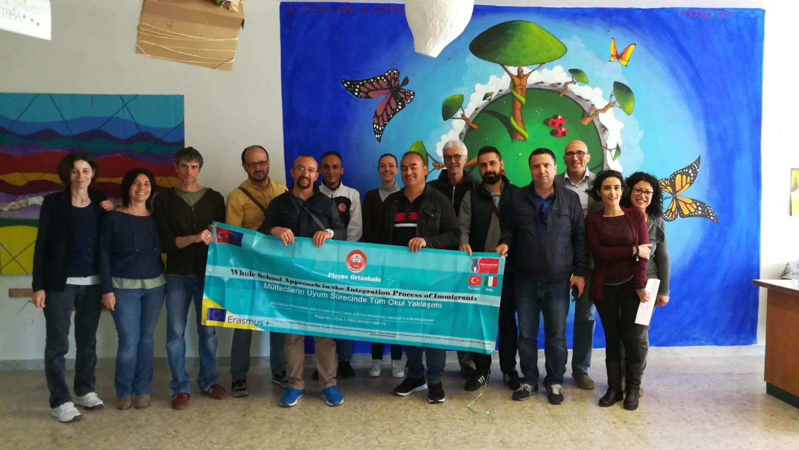 "Foto docenti Policastro con i colleghi turchi del progetto ""The whole school approach in the Integration process of migrants """